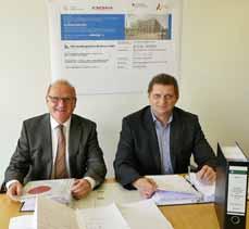 Bild: Die OGM-Geschäftsführer Hartmut Schmidt (li.) und Horst Kalthoff freuen sich über die Baugenehmigung. (Foto: OGM GmbH)