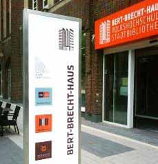 Bild: Die Bibliothek im Bert-Brecht-Haus.