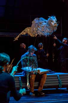 Bild: Susanne Burkhard, Klaus Zwick, Thieß Brammer, Angela Falkenhan und Peter Waros mit Fuchur. (Foto: Axel J. Scherer)