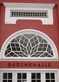 Bild: Die Gedenkhalle Oberhausen gehört zu den ältesten Gedenkstätten in Deutschland.