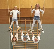 Bild: Beim Action-Zirkus wird geturnt. (Foto: Stadt Oberhausen)
