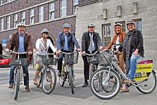 Bild: v.l.: Frank Motschull, Elke Münich, Jürgen Schmidt, Oberbürgermeister Daniel Schranz, Britta Costecki und Sabine Lauxen (Foto: Stadt Oberhausen)