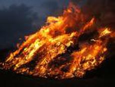 Bild: Beim Osterfeuer müssen bestimmte Regeln beachtet werden.