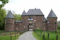 Bild: Mehr als 400 Aktive machen eine Zeitreise ins Mittelalter.