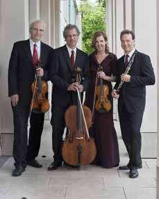 Bild: Die Mitglieder des Ensemble Più,v.li.: Martin Börner (Viola), Markus Beul (Violoncello),  Eva Gosling (Violine) und Andreas Gosling (Oboe und Englischhorn).