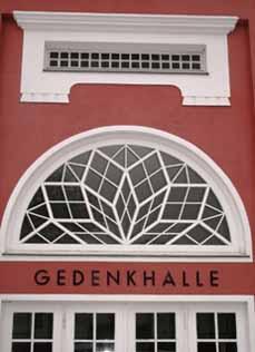 Bild: Die Gedenkhalle Oberhausen ist die älteste Gedenkstätte im Westen Deutschlands.